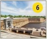На территории этой крепости находится Музей истории Санкт-Петербурга.