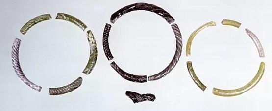 Стеклянные браслеты